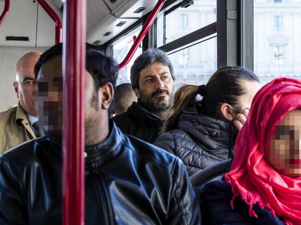 E 39 l 39 autobus la nuova foglia di fico spot di inizio for Camera dei deputati tv